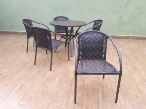 Cadeira Calais com pintura