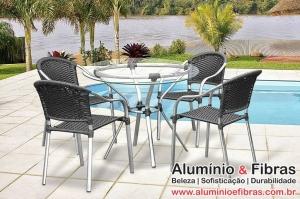 Conjunto Biquíni /mesa aro 80 com 4 cadeiras empilháveis